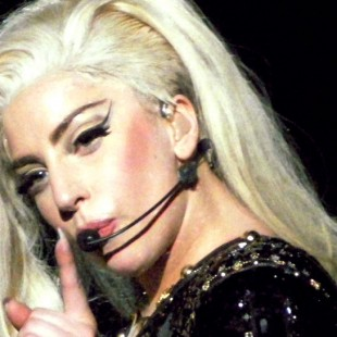 Lady_Gaga_BTW_Ball_Antwerp_02